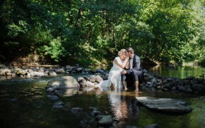 Plener ślubny nad rzeką – sesja ślubna Otwock