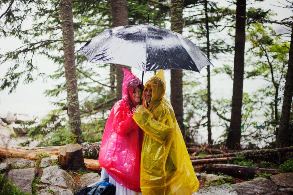 Miłość w Górach - Plener ślubny w deszczu i mgle