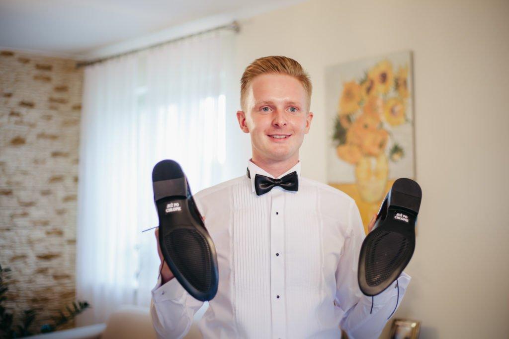 przygotowania do ślubu pan młody