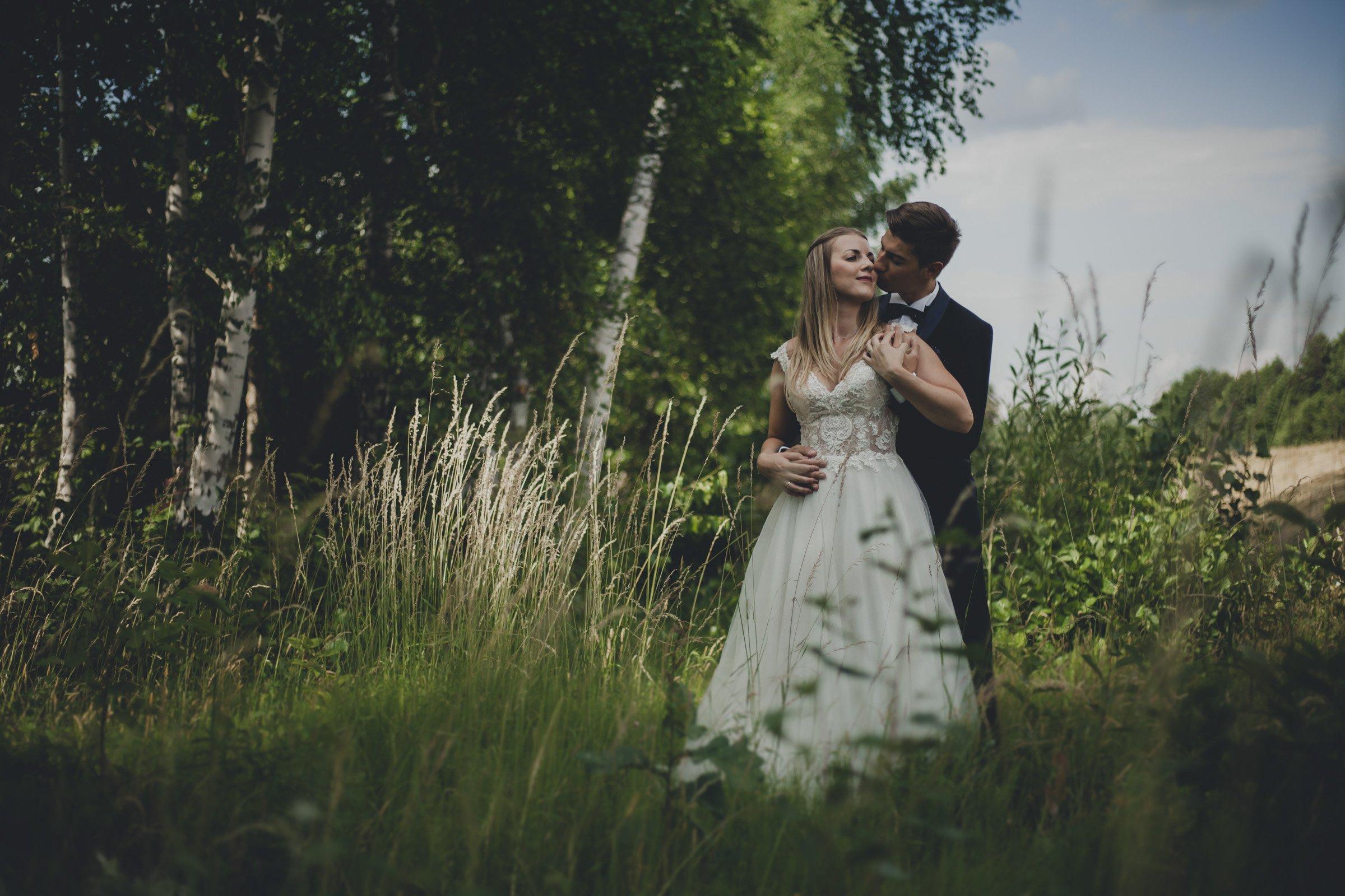 romantyczna sesja ślubna zegrze