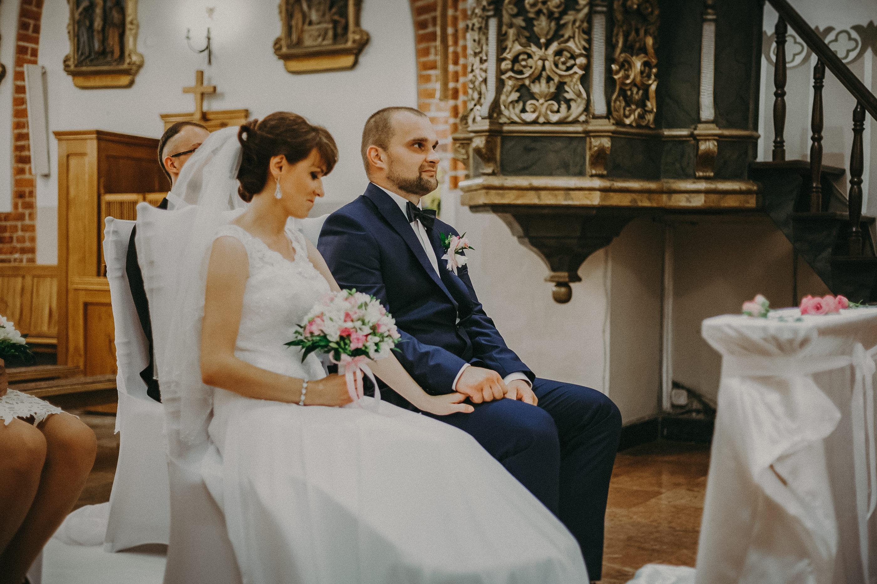 naturalne zdjęcia ślubne ciechanów