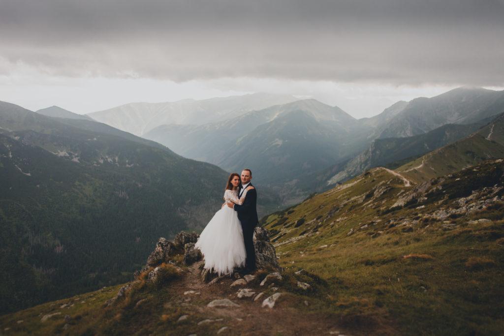 sesja ślubna wysoko w górach