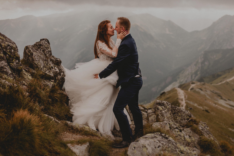 romantyczne zdjęcia w górach