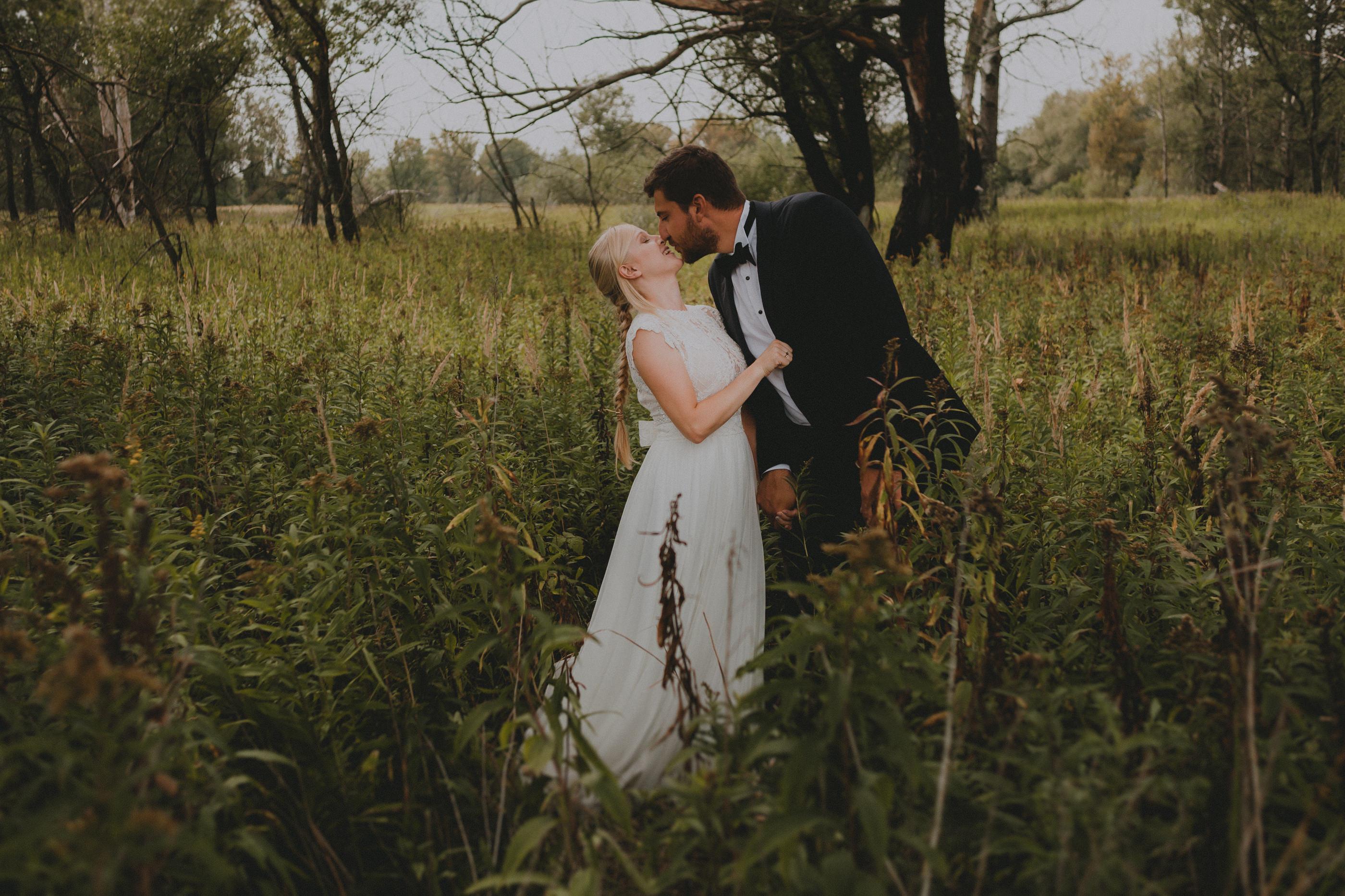 czułe zdjęcia poślubne