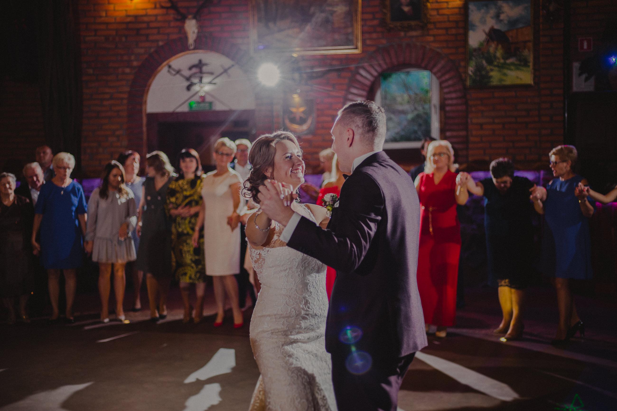 romantyczny pierwszy taniec hotel trylogia