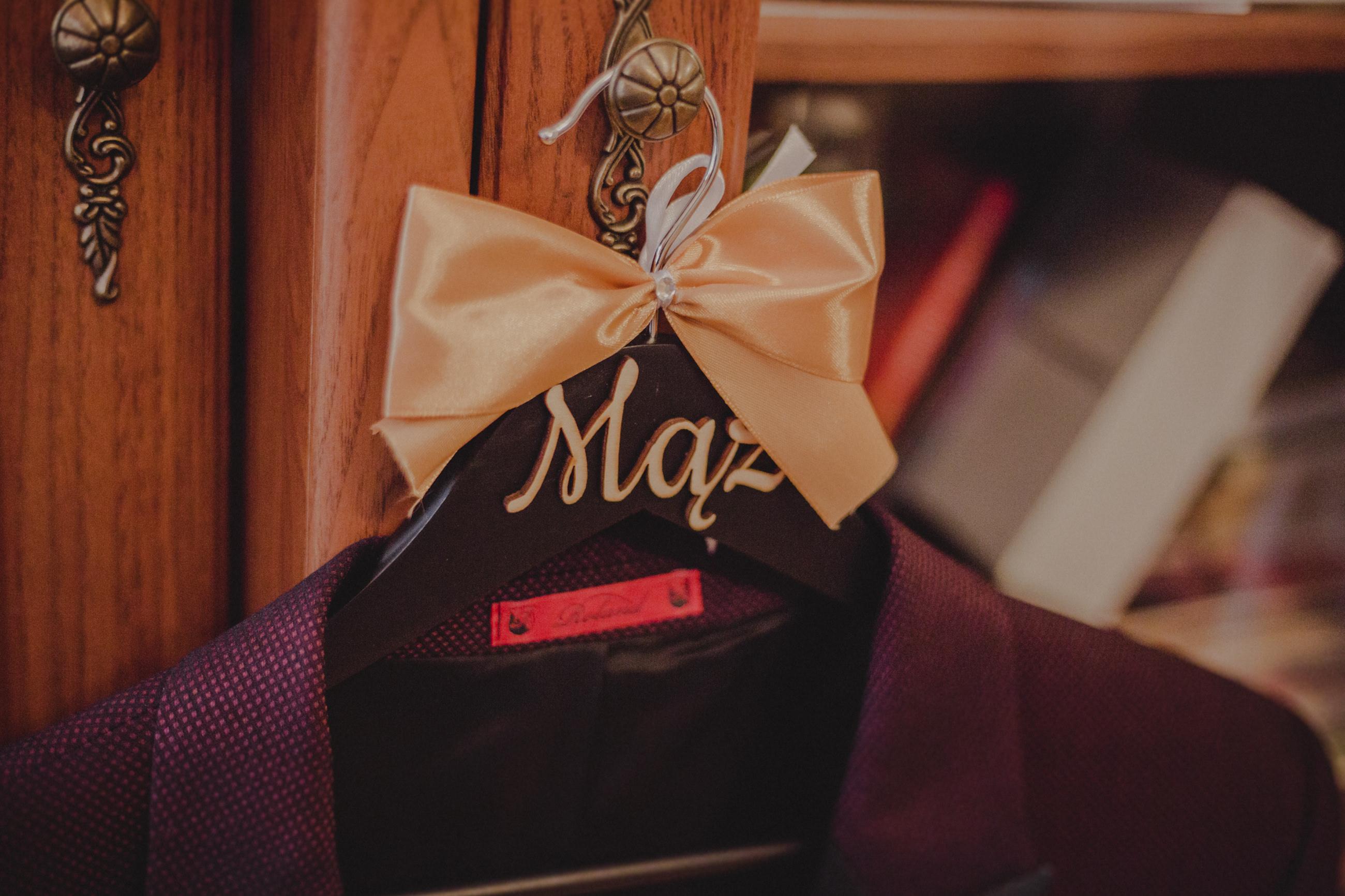 przygotowania do ślubu garnitur