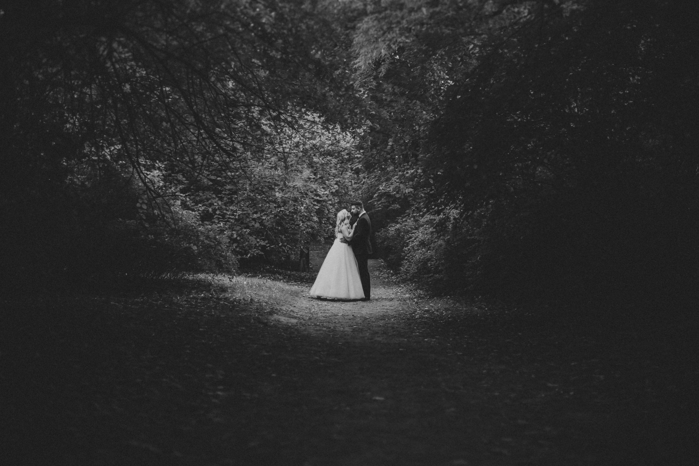 czarno biała fotografia slubna