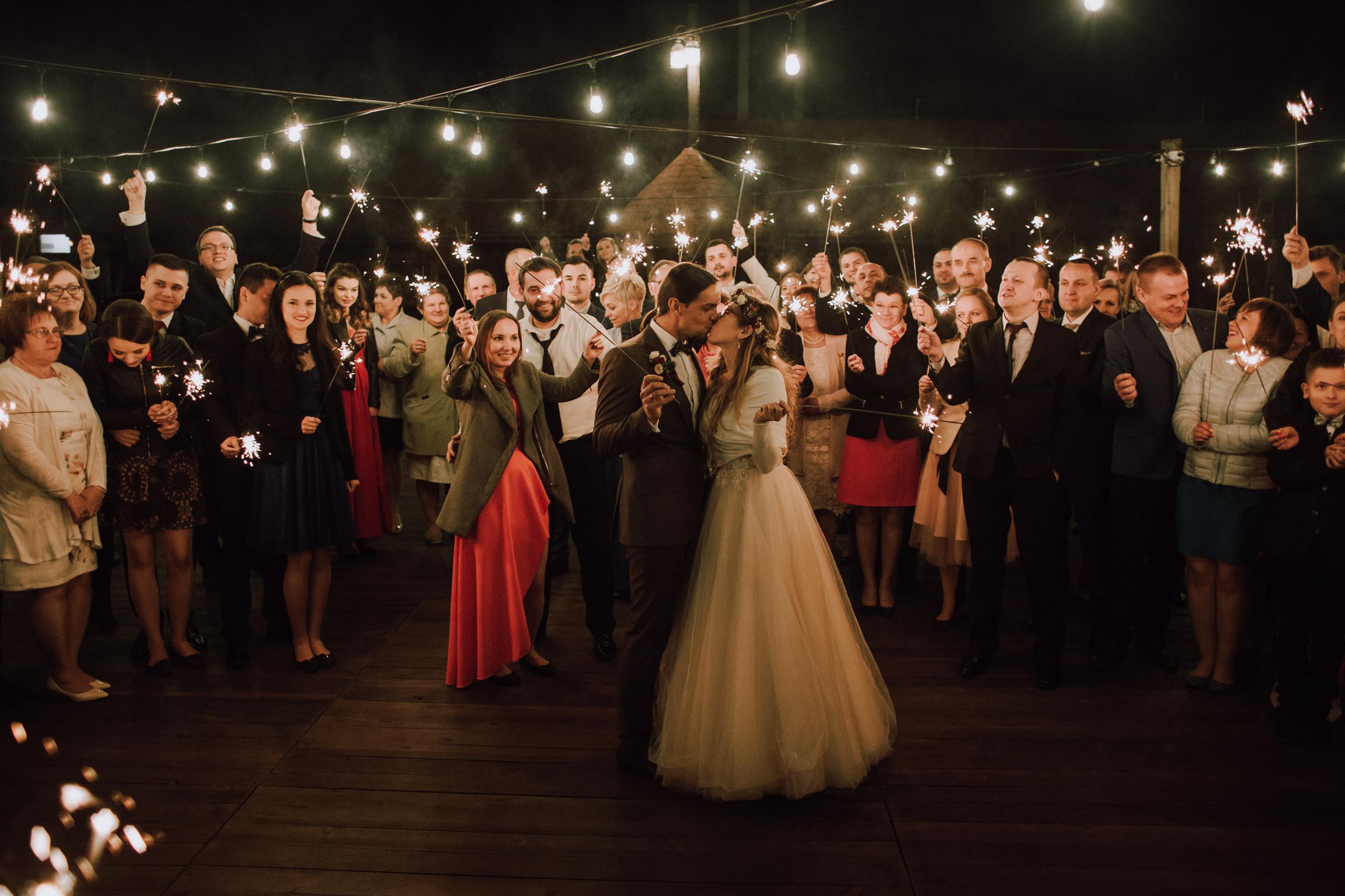 zdjęcia ślubne stodoła