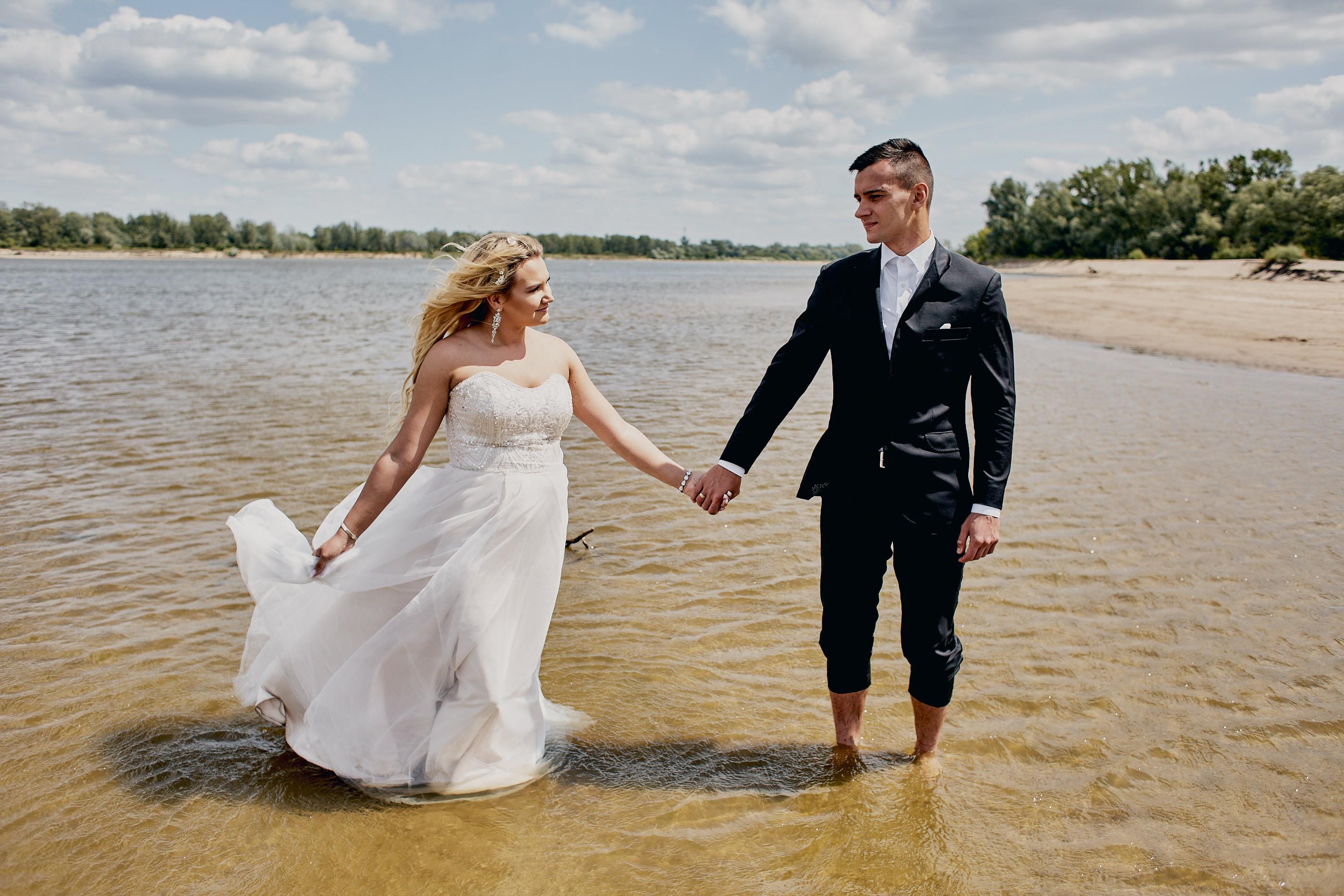 sesja ślubna w wodzie wisła