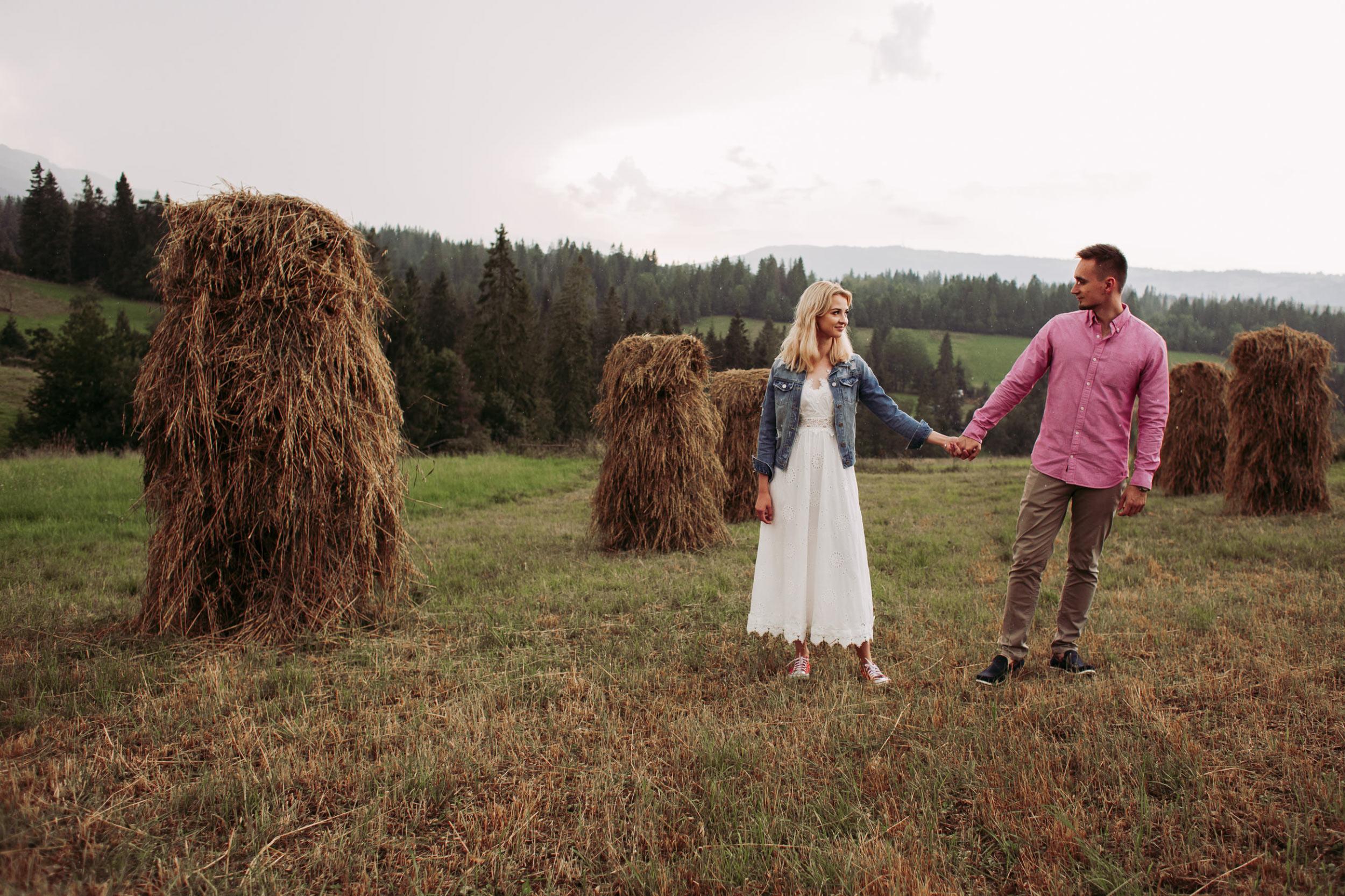 Romantyczna sesja narzeczeńska w górach