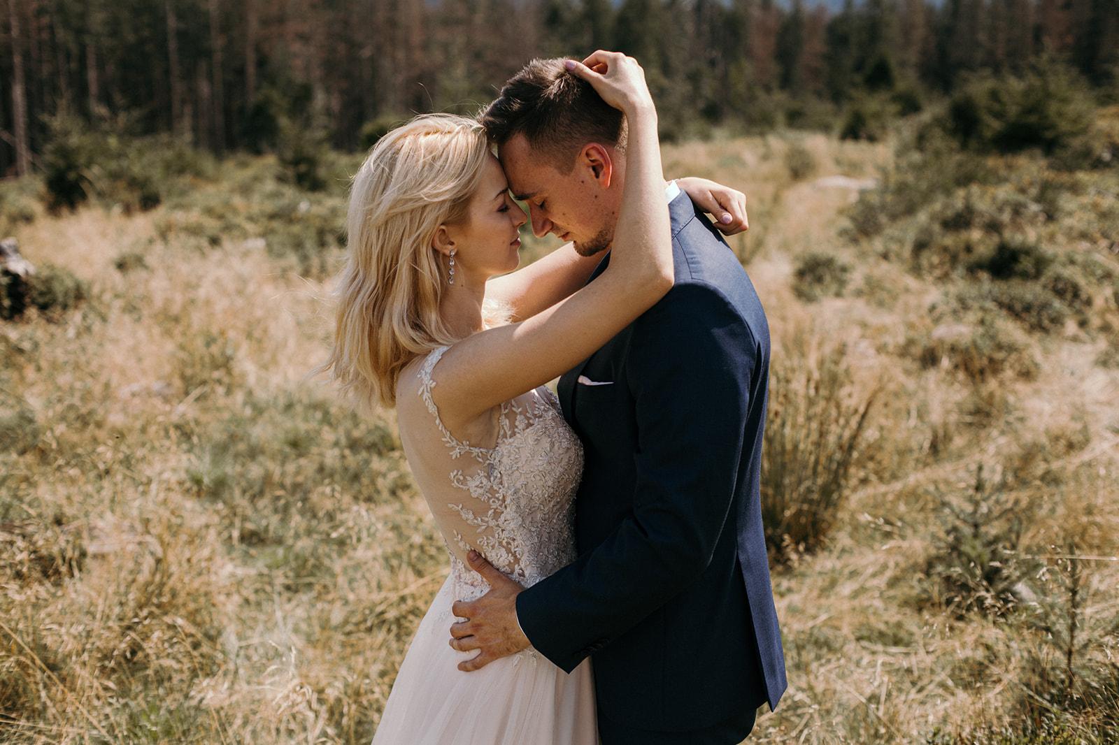 sesja ślubna w górach polana