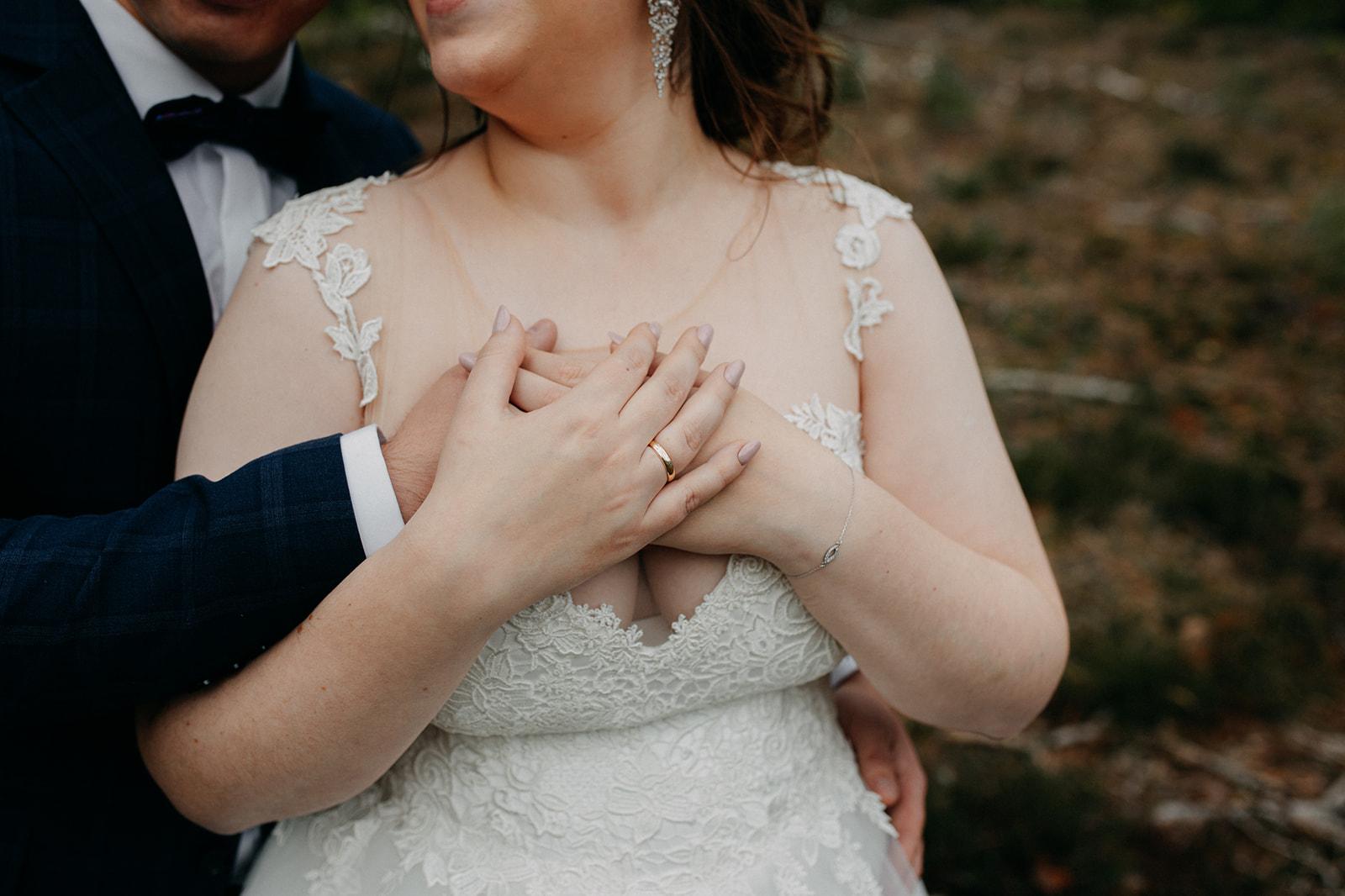 czułe ujęcia ślubne