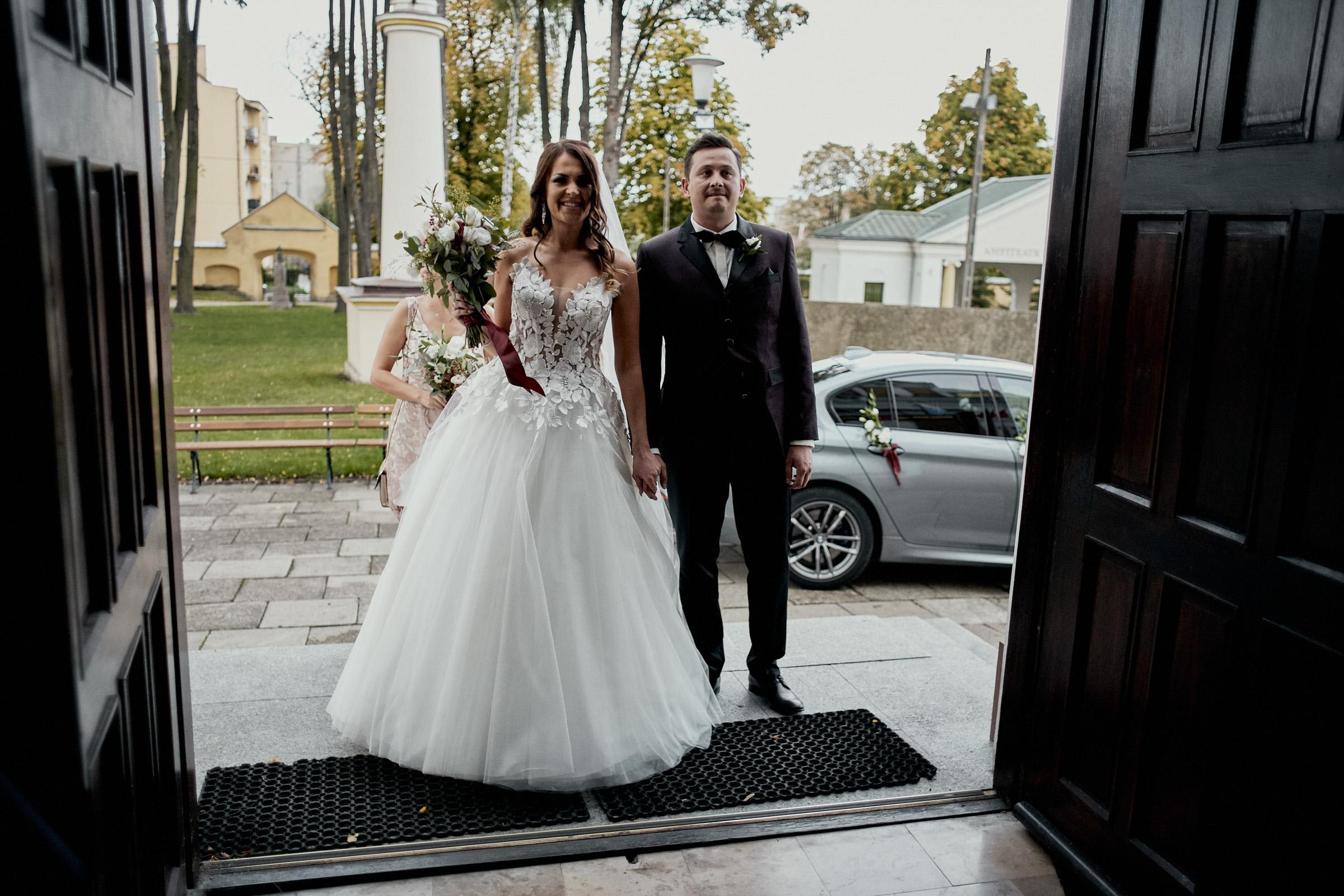 zdjęcia ślubne brzeziny