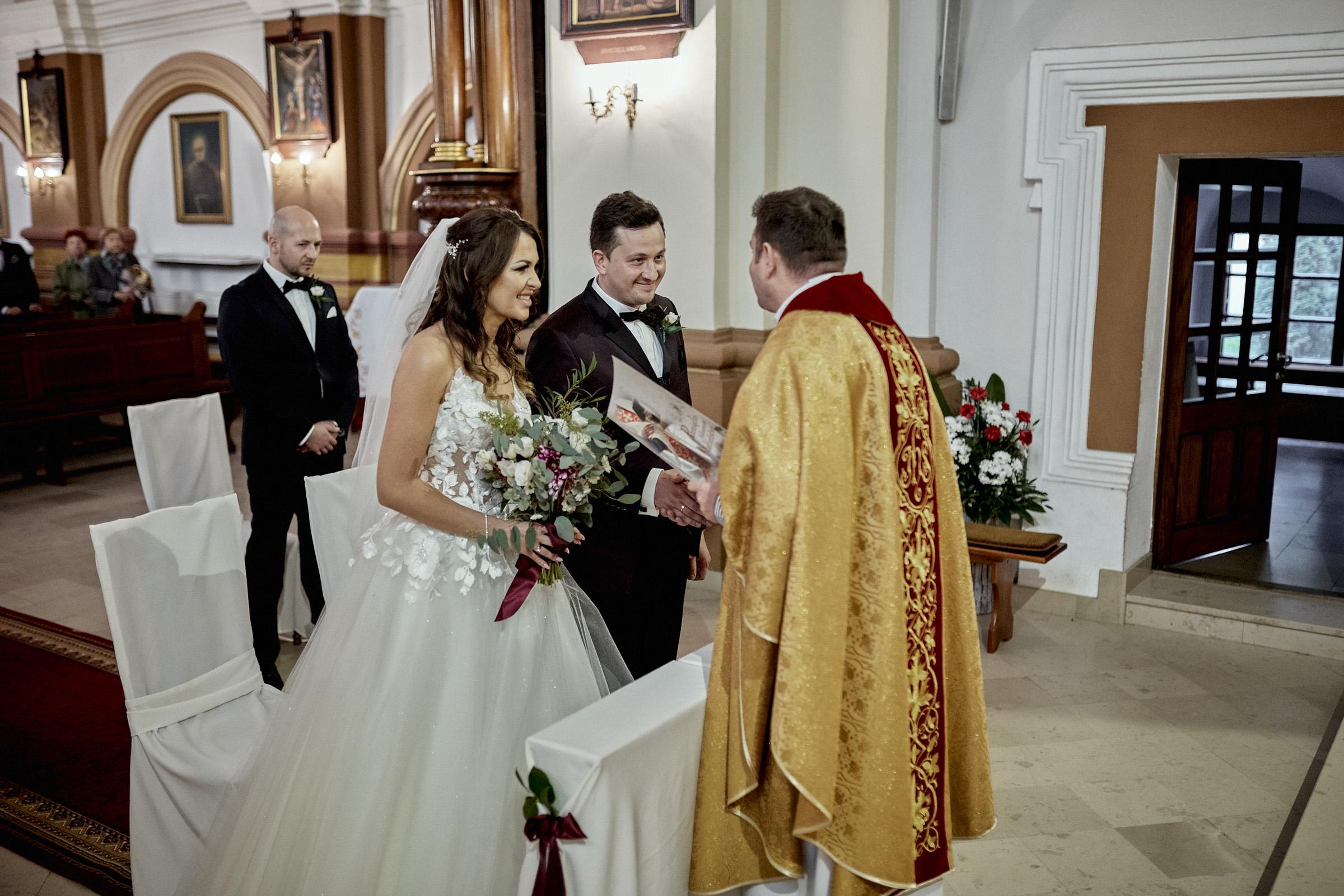 ceremonia ślubna brzeziny