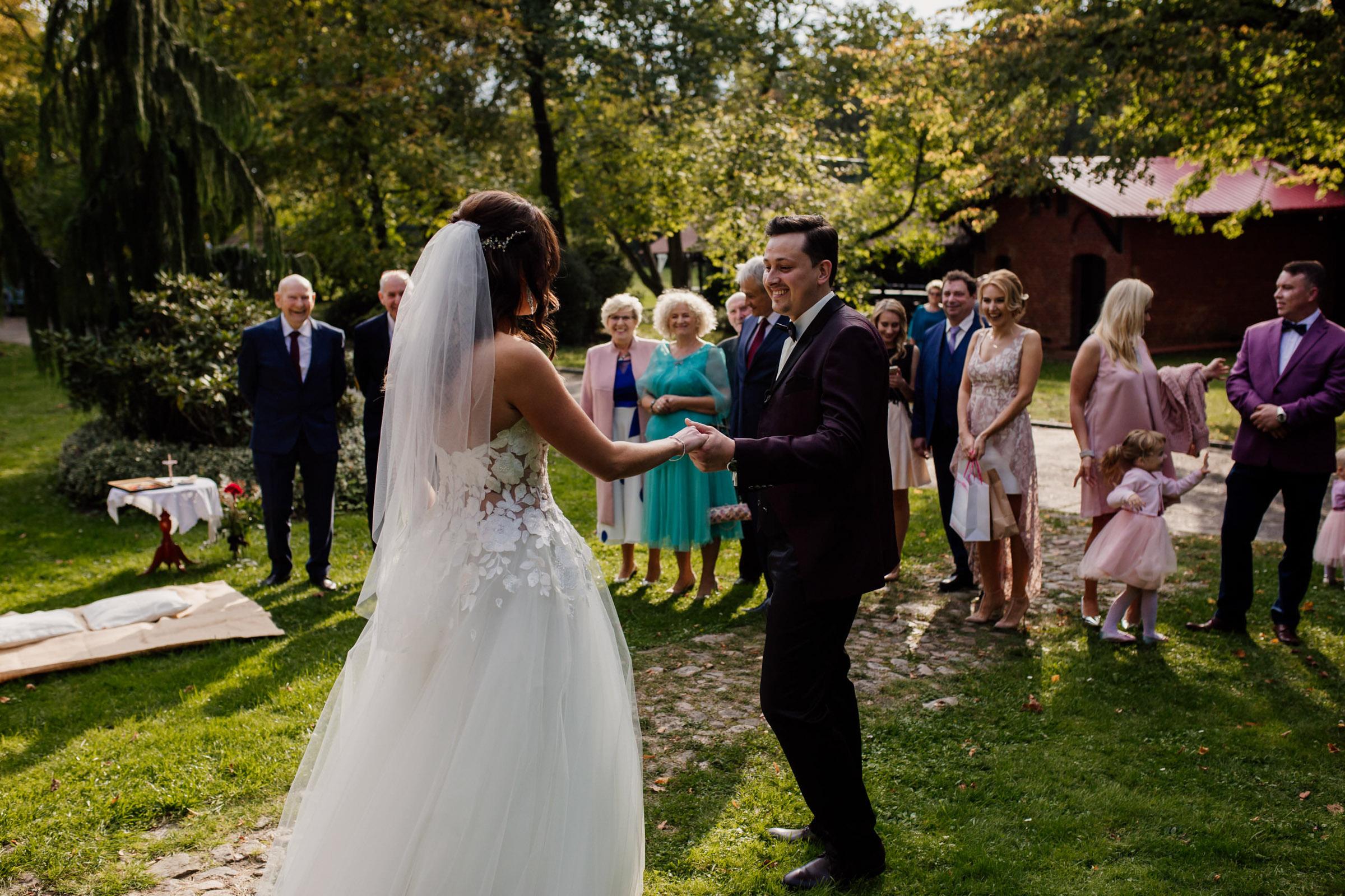 wesele w starym folwarku
