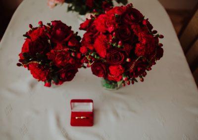 obrączki z kwiatami