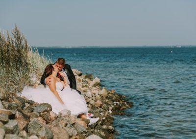 sesja ślubna na kamieniach