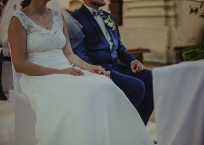 sesja ślubna kośćiół