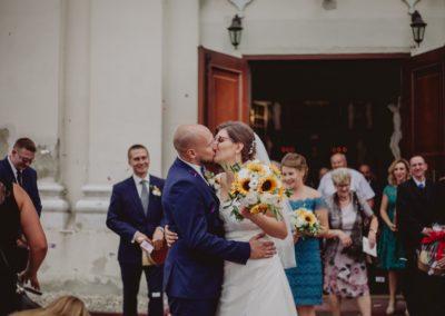 sesja ślubna kościół