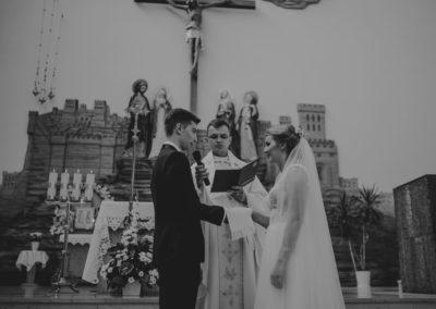 sesja ślubna w kościele