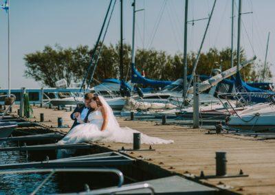 sesja ślubna przy łodkach