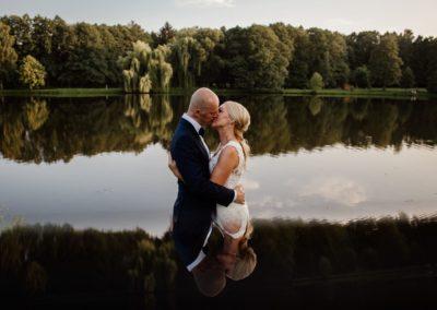 sesja ślubna w jeziorze
