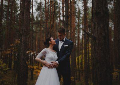 sesja ślubna w lesie otwockim