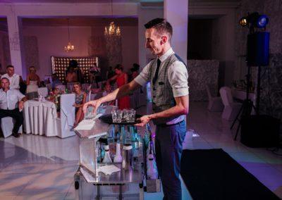 sesja ślubna wesele barman