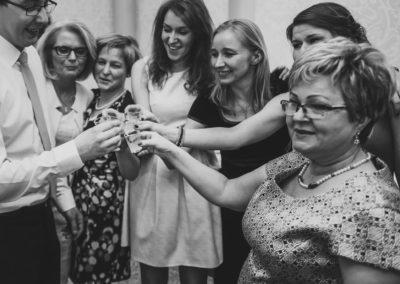 sesja ślubna toast weselny