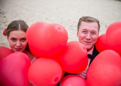 sesja ślubna z balonami