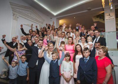 sesja ślubna zdjęcie grupowe