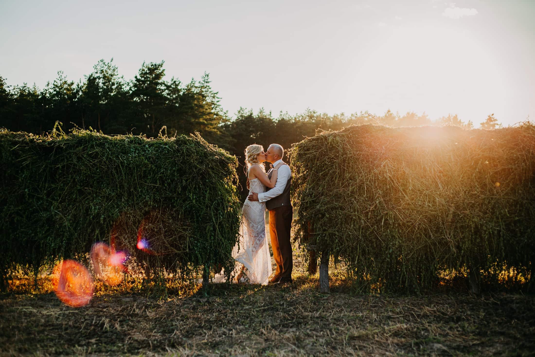 zachód słońca sesja ślubna