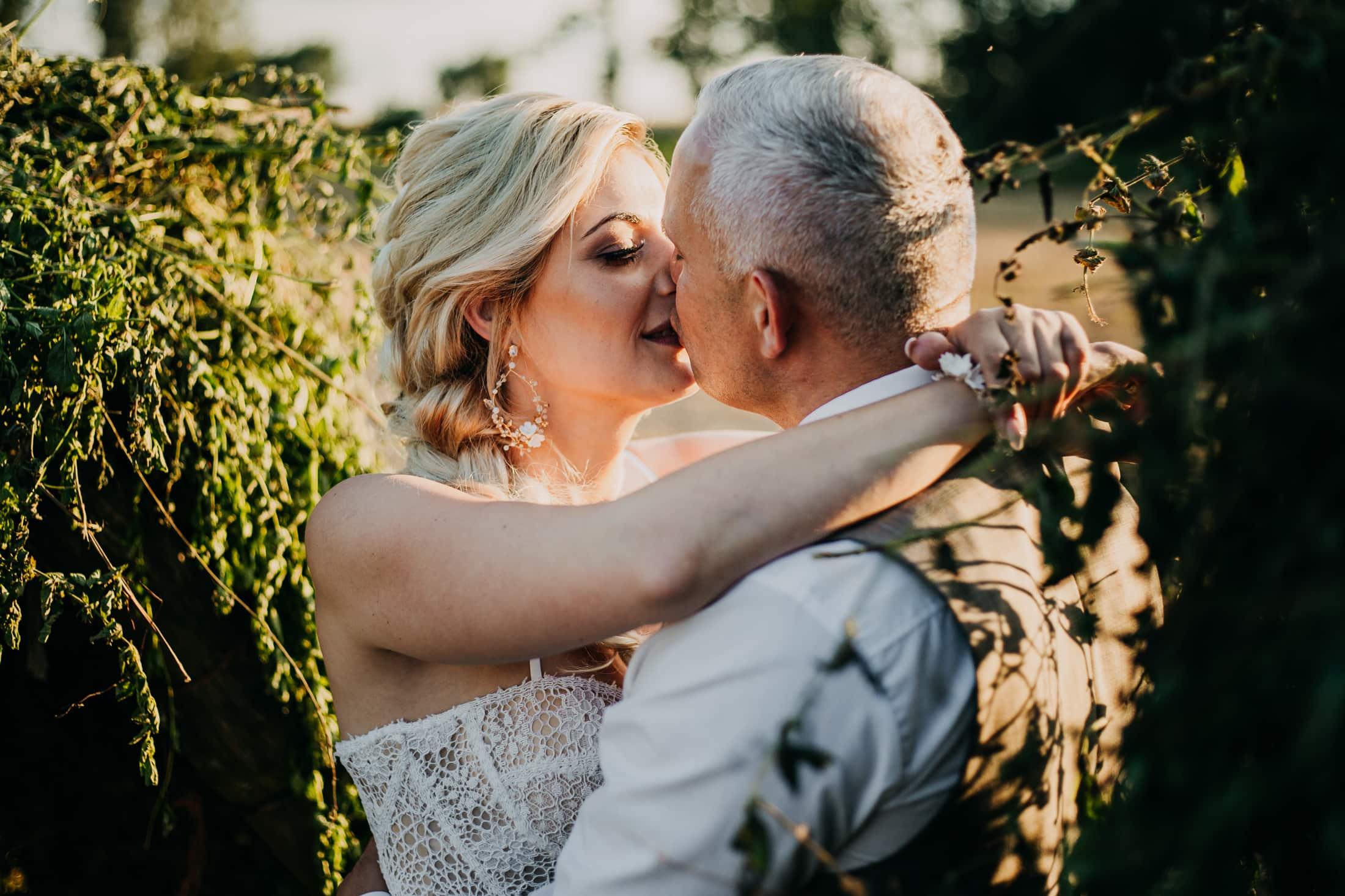 Sesja ślubna o zachodzie słońca