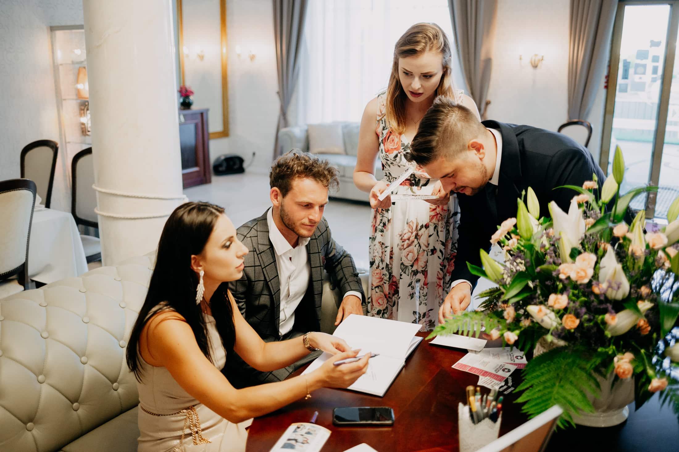 Ślub w altanie Hotel Splendor Babice Nowe - Marta i Kevin