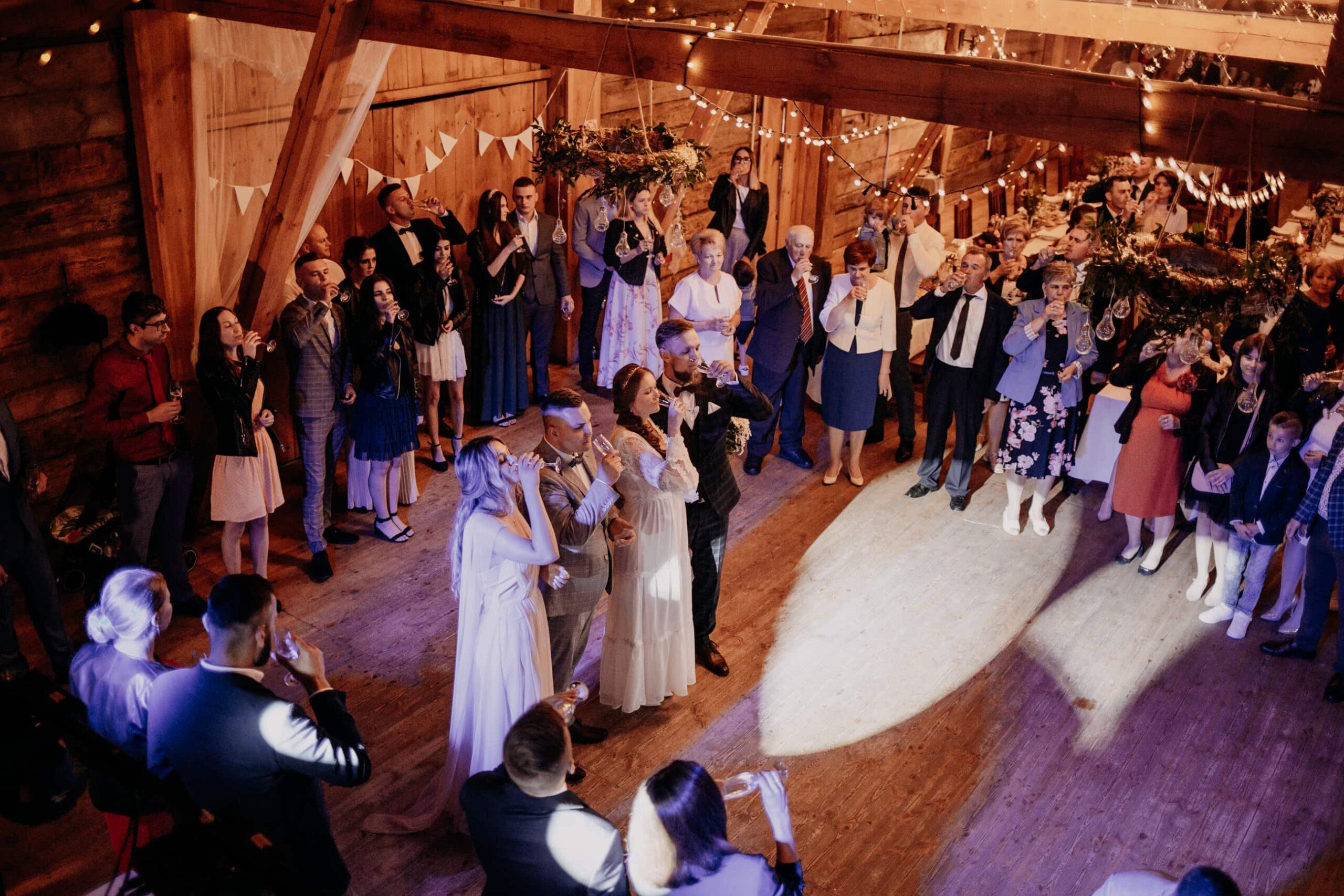 wesele stodoła mościbrody