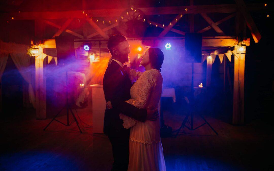 Rustykalne wesele w stodole Mościbrody – Fotograf Siedlce
