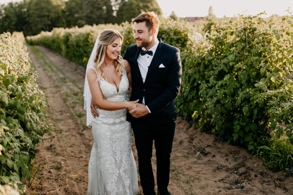 Sesja poślubna przy zachodzie słońca
