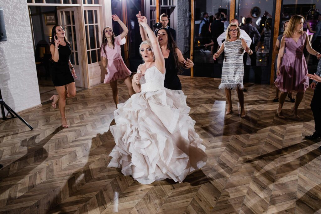 Ślub plenerowy Patio na Wodoktach Otwock Wielki